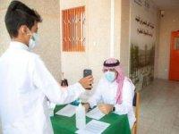 Suudi Arabistan okullarda cep telefonunu yasakladı