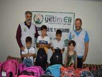 Avrupa Yetim Eli Derneği Siirt'te 50 yetim çocuğun kırtasiye ihtiyacını karşıladı