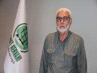 Umut Kervanı Adana'da kırtasiye yardımında bulundu