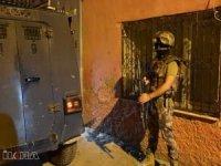 Adana'da uyuşturucu satıcılarına operasyon: 10 gözaltı