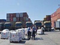 Lübnan'a gönderilecek yardım malzemeleri gemiye yükleniyor