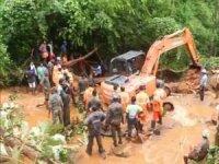 Hindistan'da sel nedeniyle 18 kişi öldü