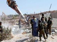 Siyonist işgal rejimi Filistinlilere ait 241 evi yıktı