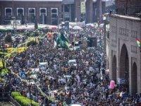 Erbil'de on binlerin katılımıyla mevlid etkinliği düzenlendi