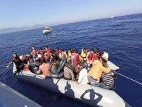 Çanakkale'de 35 düzensiz göçmen kurtarıldı