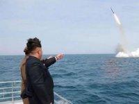 Kuzey Kore iki balistik füze denedi