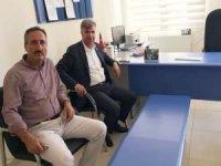 HÜDA PAR'ın Kayapınar Belde Belediyesi Başkanı Özhan'dan öğrencilere kitap desteği