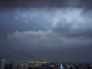 Moskova'yı yıldırımlar sardı